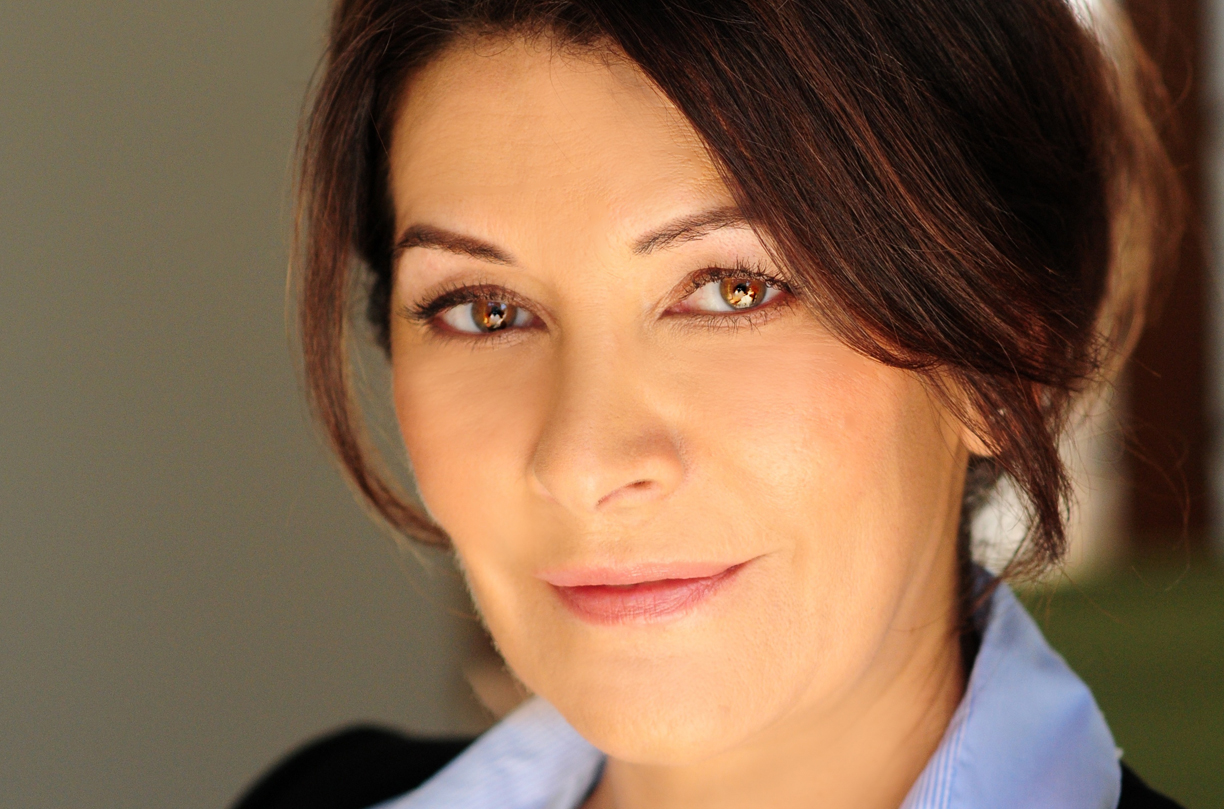 Marina Sirtis - Internity